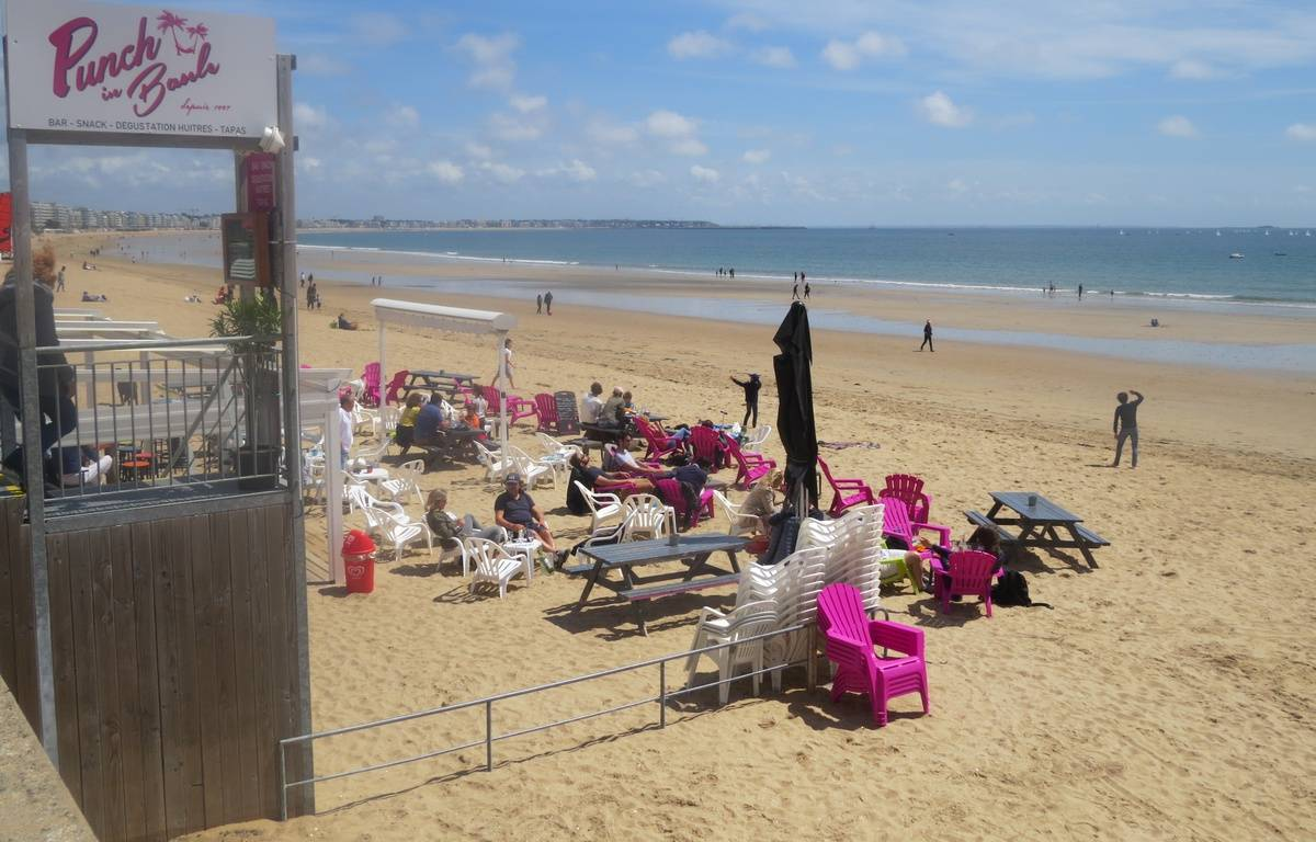 Un bar de plage à La Baule – J. Urbach/ 20 Minutes