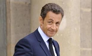 """La """"cérémonie nationale d'hommage"""" aux dix soldats tués en Afghanistan a commencé jeudi en fin de matinée aux Invalides, en présence du président Nicolas Sarkozy, de la quasi-totalité du gouvernement et des familles de victimes, a constaté une journaliste de l'AFP.Evènement"""