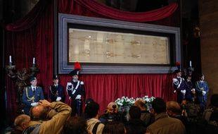 Le Saint-Suaire de Turin a été montré au public en avril 2015