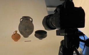 Arc'Antique dispose d'un studio de photographie et radiographie.