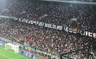 Des banderoles homophobes ont été déployées dans les tribunes des supporters niçois, lors du derby Nice-OM.