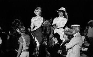 Brigitte Bardot et Jeanne Moreau sur le tournage de «Viva Maria » de Louis Malle en 1965