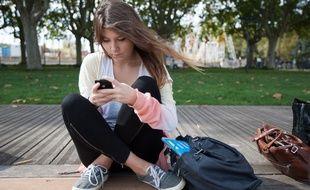 Le smartphone, incontournable fourniture scolaire à l'entrée en 6e...
