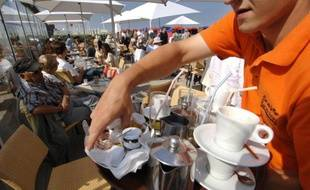 """""""Les bars, les Nespresso, la machine à café des bureaux"""" figurent sans aucun doute parmi les principaux foyers de consommation du café, à en croire la réponse donnée par un élève dans une épreuve du baccalauréat"""