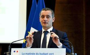 """Le ministre des Comptes publics, Gerald Darmanin, prononce un discours après avoir reçu un rapport de l'Inspection générale des finances sur le """"Budget vert"""" le 25 septembre 2019."""