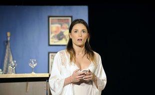 Capucine Anav dans la pièce «La Fève du samedi soir»