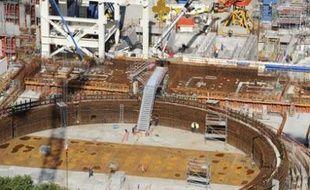 Le chantier du nouveau réacteur EPR, en bord de mer, à Flamanville.