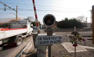 Un passage à niveau près de la gare d'Escalquens (aute-Garonne).