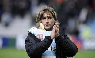 Le talonneur du Racing-Métro Dimitri Szarzewski a annoncé avoir été suspendu 20 jours, dont 10 ferme, par la Ligue nationale de rugby, pour un mauvais geste en Top 14, cette sanction lui permettant toutefois de postuler pour le match du Tournoi des six nations Italie-France le 3 février.