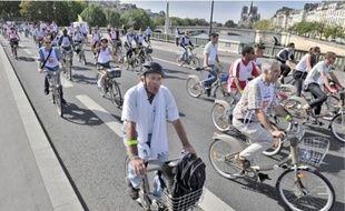 Les vélibistes ont sillonné la rive droite comme la rive gauche sur environ 15km.