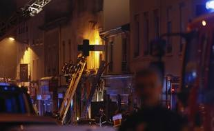 Une explosion, survenue dans une boulangerie route de Vienne à Lyon, a provoqué un incendie dans un immeuble et fait deux morts, le 9 février 2019.