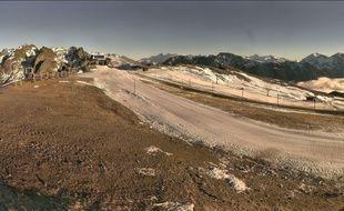 Les stations de ski des Alpes souffrent d'un manque de neige depuis plusieurs semaines.