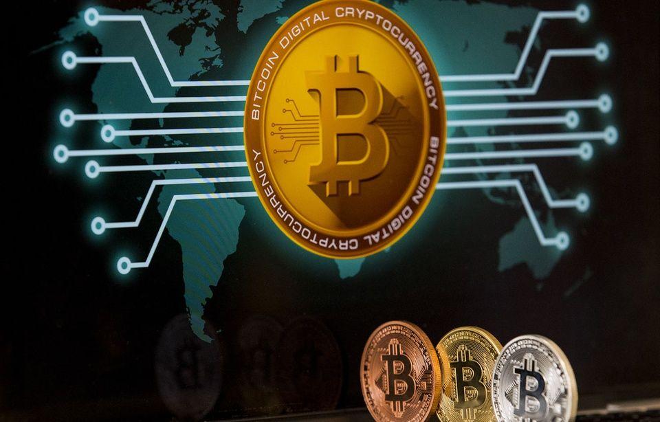 Tout comprendre à la blockchain. «Au début du bitcoin, il fallait être bon techniquement, moi je n'ai pas réussi à en acheter»