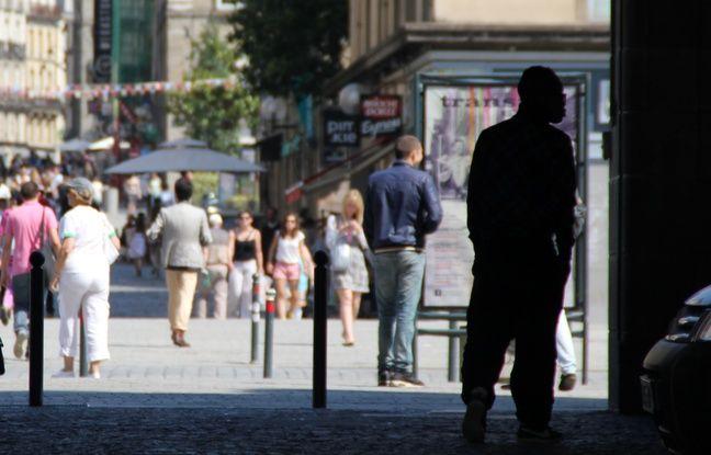 Les arcades de République, à Rennes, où de nombreux jeunes traînent, vivant de petits deals de drogue.