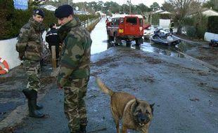 Des militaires français à l'Aiguillon-sur-mer le 1er mars 2010.