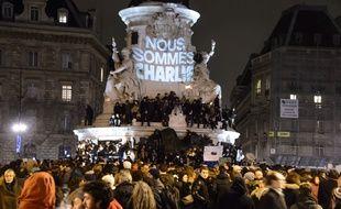 Le rassemblement en soutien à Charlie Hebdo, place de la République, le 7 janvier 2015.