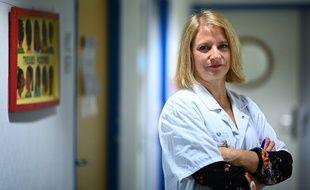 Karine Lacombe est cheffe de service à l'hôpital Saint-Antoine de Paris