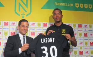 Franck Kita, DG du FCN, avec Alban Lafont.