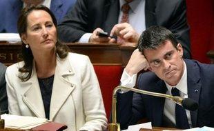 La ministre de l'Ecologie, Ségolène Royal, et le Premier ministre Manuel Valls à l'Assemblée nationale à Paris, le 16 décembre 2014