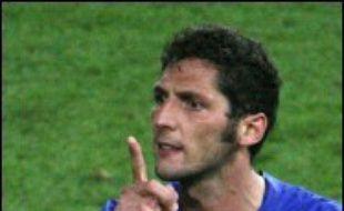 """Zinédine Zidane a été """"super arrogant"""" et """"je l'ai insulté"""", a reconnu le joueur italien Marco Materazzi qui a provoqué le Français, ce dernier lui donnant un coup de tête qui lui a valu l'exclusion en finale du Mondial de football, selon La Gazzetta dello Sport de mardi."""