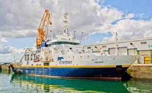 La Thalassa, le bateau scientifique de l'Ifremer, à quai à Brest.