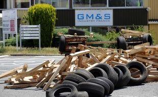 Les salariés de GM&S Industry bloquent à nouveau leur usine depuis le 13 juin.