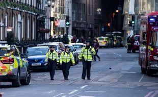 Des policiers à Borough Market, Londres, le 4 juin 2017.