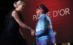 Spike Lee remet la Palme d'or à Julia Ducourneau