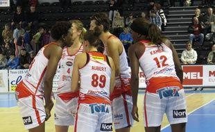 A Villeneuve d'Ascq, le 11 octobre 2015 - Le match de Ligue Feminine ESBVA-Calais au Palacium.