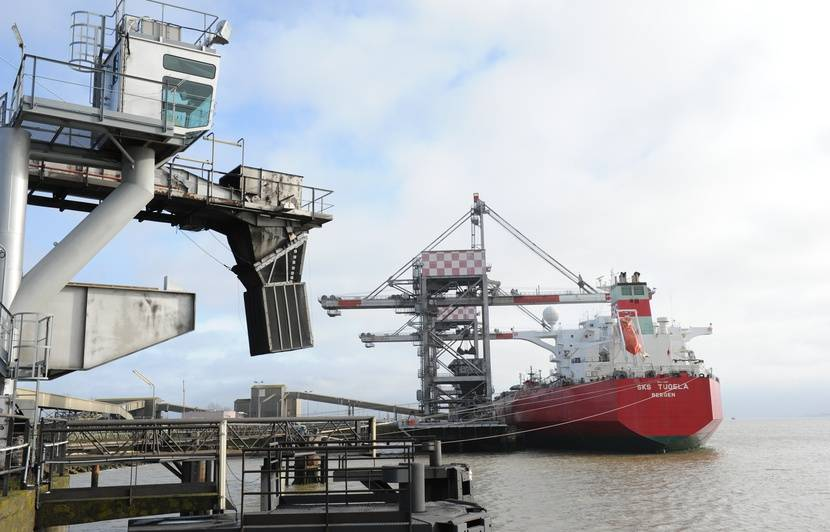 Loire-Atlantique: Deux dockers et un Nantais mis en examen après la saisie de 140 kg de cocaïne