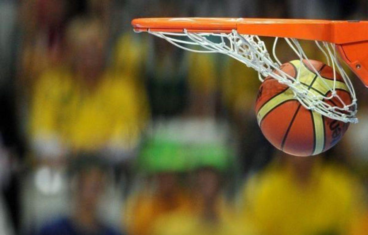Boulogne-sur-Mer (ProB) a réalisé un petit exploit en se qualifiant pour les demi-finales de la Coupe de France de basket-ball aux dépens de Strasbourg, deuxième de ProA (88-86), tandis que Villeurbanne s'est imposé sur le parquet de Roanne (75-63), mardi. – Joe Klamar AFP