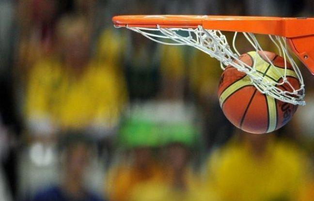 Boulogne-sur-Mer (ProB) a réalisé un petit exploit en se qualifiant pour les demi-finales de la Coupe de France de basket-ball aux dépens de Strasbourg, deuxième de ProA (88-86), tandis que Villeurbanne s'est imposé sur le parquet de Roanne (75-63), mardi.