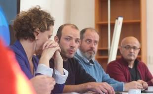 Matthieu Theurier (au centre) devrait être la tête de la liste écologiste aux municipales à Rennes.