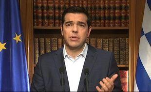 Le premier ministre grec Alexis Tsipras s'adresse à la nation, le 1er juillet 2015 à Athènes