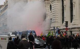 Des dizaines de personnes ont manifesté devant le siège du gestionnaire d'actifs BlackRock