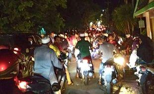 Des scènes de panique lors d'un nouveau séisme sur les Célèbes en Indonésie, ce vendredi.