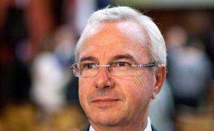 L'ex-ministre radical Jean Léonetti a annoncé lundi sur Europe 1 qu'il soutenait François Fillon pour la présidence de l'UMP.