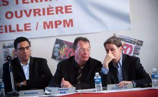 Patrick Rué (au centre) est le secrétaire général de Force Ouvrière.