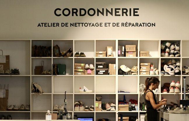 La marque Veja s'est équipée d'une cordonnerie, dans sa boutique installée à Darwin à Bordeaux