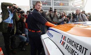 Guerlain Chicherit lors du départ du Dakar à Lisbonne en 2007. Cette année, en Amérique du Sud, il aura toujours comme co-pilote Matthieu Baumel.