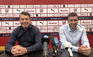 Arnaud Pouille, directeur général du RC Lens (à gauche) et Florent Ghisolfi, coordinateur sportif du club
