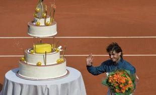 L'Espagnol Rafael Nadal, tête de série N.3, a fêté dignement son 27e anniversaire en se qualifiant pour les quarts de finale de Roland-Garros, grâce à une victoire rapide sur le Japonais Kei Nishikori (N.13) en trois sets 6-4, 6-1, 6-3.