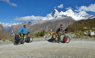 Vincent et Jérémy Dravet sur les montagnes du Pérou.