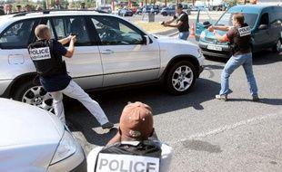 Photo d'illustration d'un véhicule participant à un convoyage de drogue.