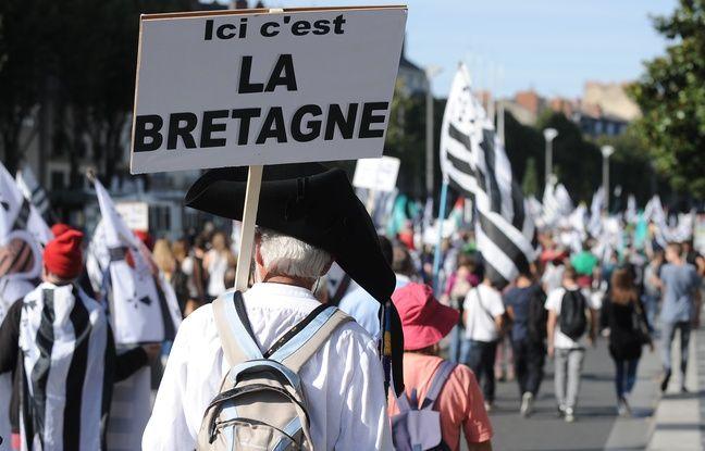 Bretagne: Les partisans de la réunification veulent la tenue d'un référendum, et vite