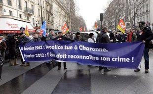 Sept cents personnes ont commémoré mercredi à Paris les 50 ans du drame du métro Charonne, où huit personnes ont trouvé la mort dans une charge de la police lors d'une manifestation contre la guerre d'Algérie, a constaté un journaliste de l'AFP.