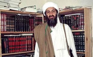 Image d'archive d'Oussama Ben Laden, prise en avril 1998 en Afghanistan.