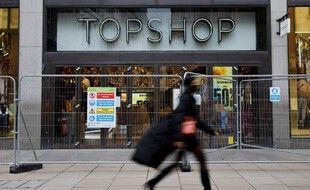 Près de 70 magasins Topshop vont fermer au Royaume-Uni.