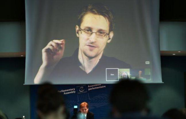 Edward Snowden sur un écran au Parlement de Strasbourg en France, le 23 juin 2015