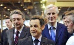 """Nicolas Sarkozy a inauguré samedi le 45e salon de l'agriculture de Paris en promettant d'engager dès la présidence française de l'Union européenne (UE) en juillet une """"refondation"""" de la politique agricole commune et en affichant sa fermeté dans les négociations à l'OMC."""